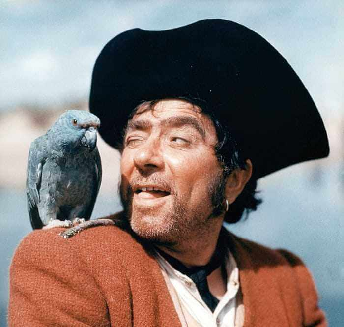 Robert Newton (Source: Candid Slice)